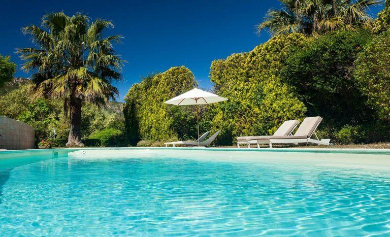 Villas En Sardaigne Luxe Avec Piscine Ou En Bord De Mer Sardinia - Location villa en sardaigne avec piscine